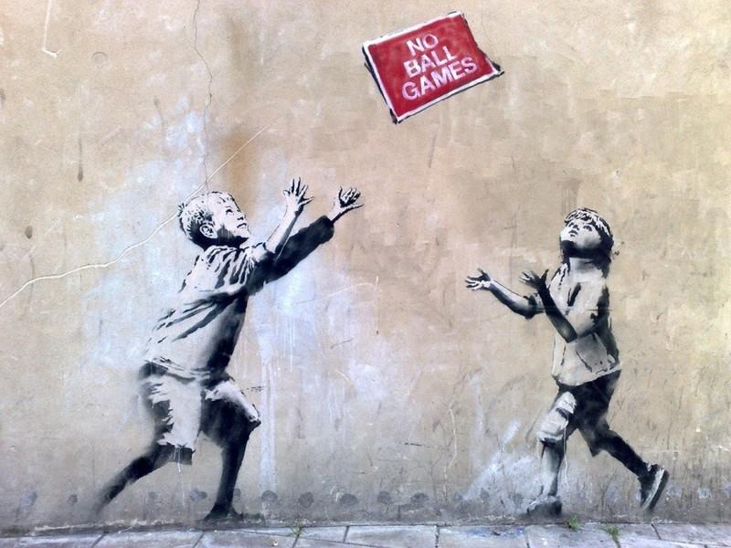 [HLF GAME] Missione Tempo Libero: Opere di Banksy! - Pagina 2 Banksy_no-ball-games