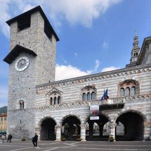 Il Palazzo del Broletto, Como.