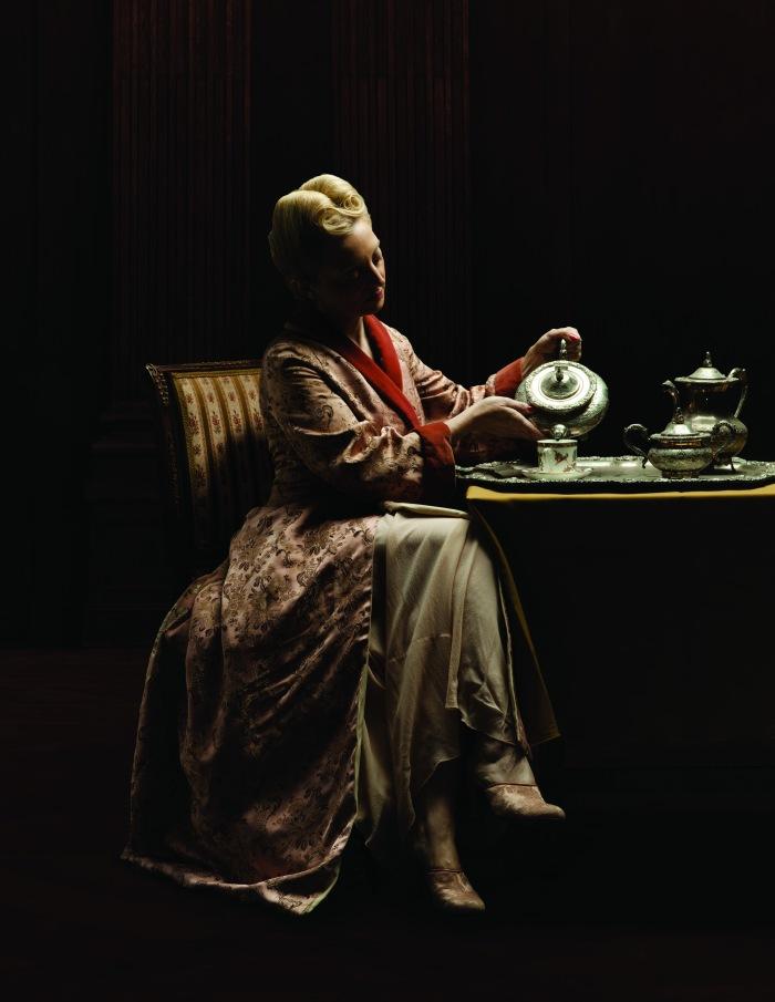 Eva in abbigliamento domestico