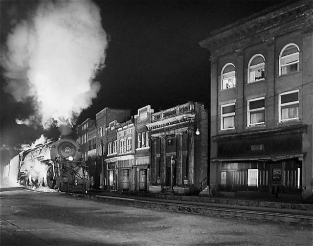 Main Line on Main Street, North Fork, West Virginia, O. Winston Link, 1958, Galerie Danziger