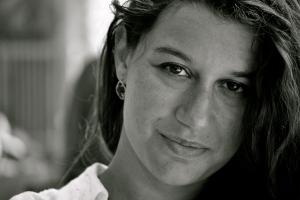 LAURA BERTONI