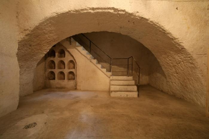 big-180016_basement (2)