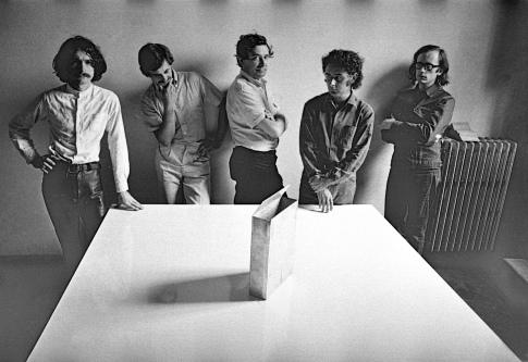 © Immagine per gentile concessione di PAC. Cristiano Toraldo di Francia, foto dei membri del Superstudio 1970-1971