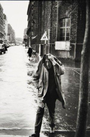 HENRI CARTIER BRESSON,Alberto Giacometti, Rue d'AlÇsia, Paris, 1961